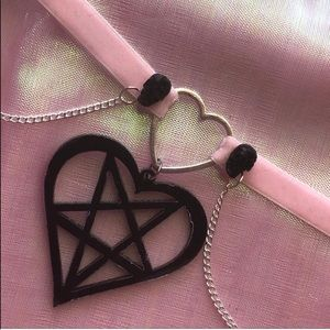 Jewelry - Pentagram Heart Choker
